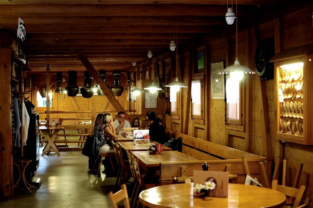 restaurant-tsale